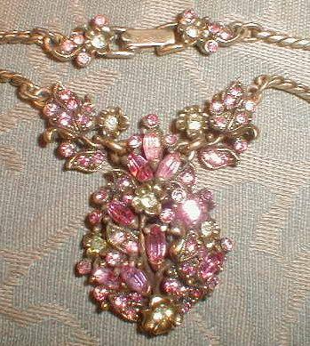HOLLYCRAFT Necklace EARRINGS Set 1950 -VINTAGE-