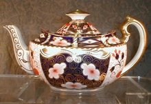IMARI Royal CROWN Derby TEApot - LARGE , 2451 -
