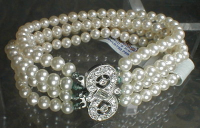 Deltah Bracelet Rhinestone Clasp -VINTAGE-