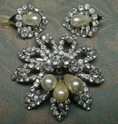 WEISS Brooch EARRINGS Set - Rhinestone Flowers -