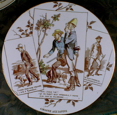 SARREGUEMINES PLATE - Rabbit Hunting - ANTIQUE