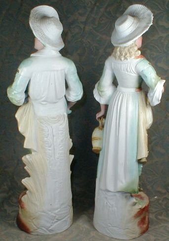 BISQUE Figurines Country Boy & Girl - ANTIQUE -