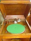 Vintage Brunswick Phonograph with 1/4 Sawn Tiger Oak Cabinet