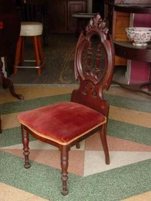Antique Victorian Solid American Black Walnut Parlor Chair
