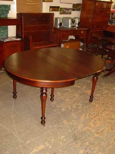 Mount Airy Mantel and Table Company Mahogany Table & Chair Dining Set