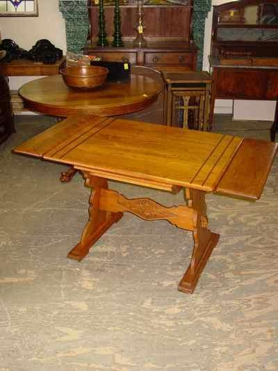 Antique Solid Oak Draw Leaf Trestle Table