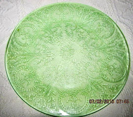 Horseshoe Pattern Depression Green Vaseline Glass