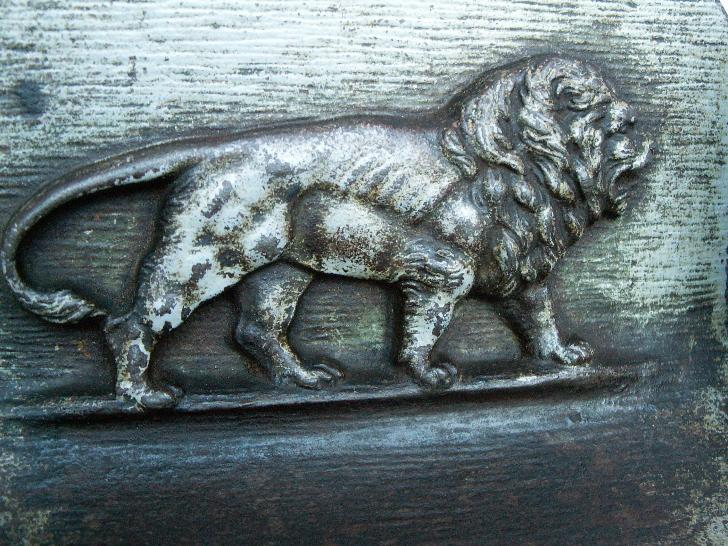 Bradley & Hubbard LION Cast Iron Bookends - Metalware