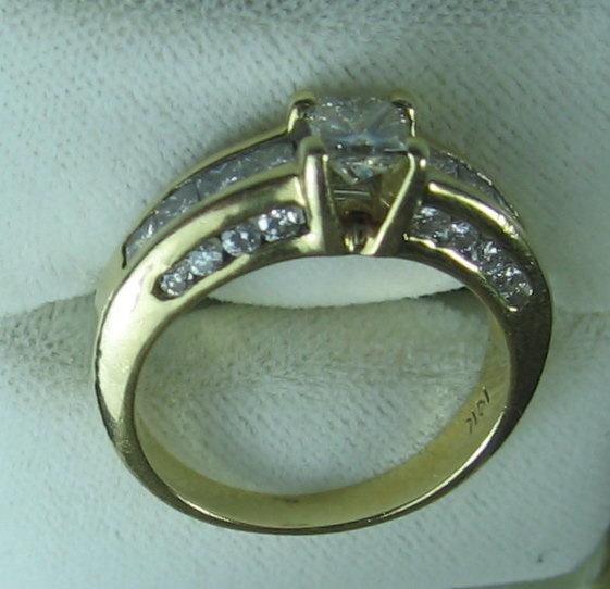 14k Yellow Gold Princess Cut Diamond Ring -  Estate Jewelry