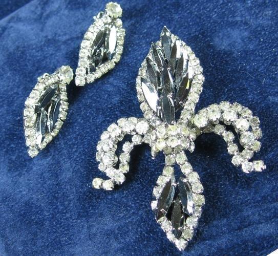 HOBE Fleur-de-Lis Rhinestone Brooch & Earrings   - Vintage Designer Signed Costume Jewelry