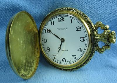 old Swiss Made 17 jewel Pocket Watch - Hunt Scene DOG & DUCK Vintage Jewelry