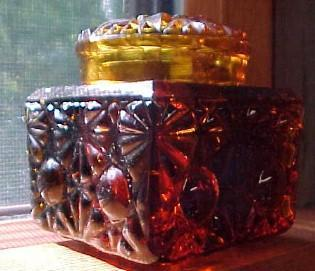 AMBER Daisy and Button  INKWELL - Glass