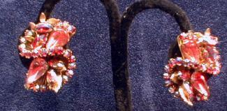 Jewelry  Robert' Clip Earrings Pink  S Rhinestones on Goldtone   - Vintage Costume Jewelry Pin