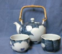 Oriental Pottery Teapot & Cups - Blue & White Oriental