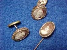 Photo Pin Brooch + Cuff Links - Medals/Buttons & Badges