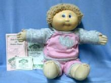 vintage 1982 Cabbage Patch Doll DARLEEN EMMIE - Xavier Roberts Toy baby doll