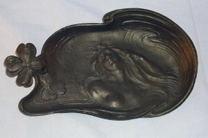 Bradley & Hubbard Cast Iron WOMAN / 4 LEAF CLOVER Pin Dish - Metalware