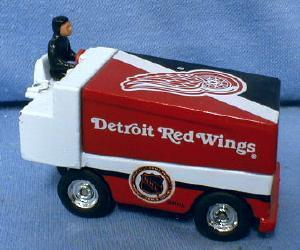 Zamboni DETROIT RED WINGS Ice Rink Machine - Die Cast ICE MAKER Toy