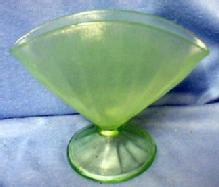 Vaseline Stretch Glass Fan Vase