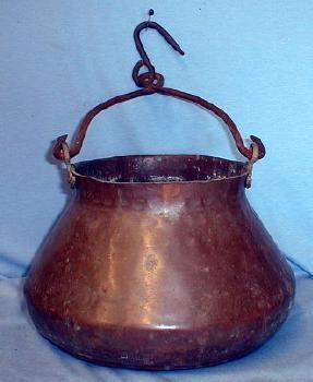 Hand Wrought Copper Cooking Kettle w/Fancy Bail - Antique metalware