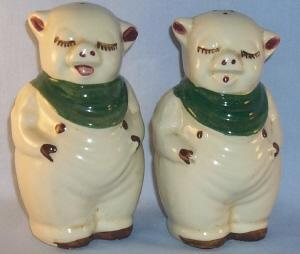 Two Shawnee SMILEY Pottery Shakers