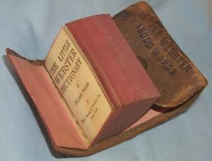 Souvenir of 1933 Chicago World's Fair LITTLE WEBSTER 1800 WORDS DICTIONARY - Paper