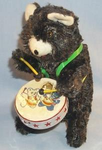 MECHANICAL DRUMMER BEAR Tin Wind Up Toy in Original Box