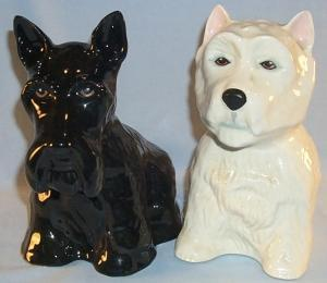 Very Nice BLACK AND WHITE SCOTCH Advertising Porcelain Black Scottish Terrier and White Highland Terrier Dog Figurines