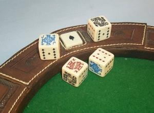 Horseshoe Shaped Desk Top Dice Game - Toys