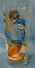 old  vintage ROAD RUNNER WILE E. COYOTE Glass Tumbler - 1976 Pepsi Advertising Collector Series