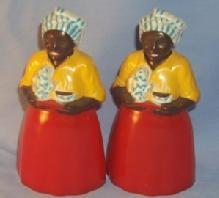 BLACK MAID SERVING COFFEE Plastic Salt and Pepper Shakers - Ethnographic