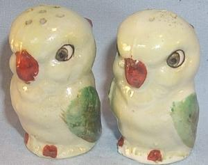 Lustreware Red Beaked Bird Porcelain Salt & Pepper Shakers