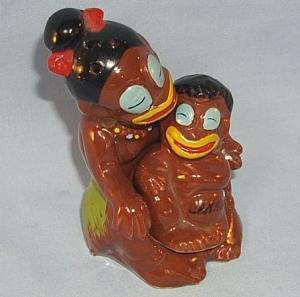 NIAGARA FALLS Advertising Black Mother and Child Porcelain Salt and Pepper Shaker Set - Ethnographic