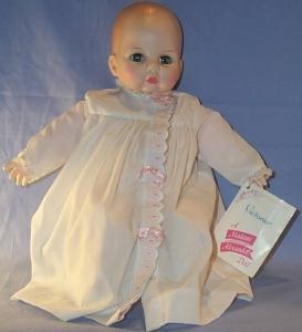 Toy Madame Alexander BABY VICTORIA Doll.