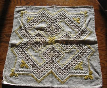 vintage Victorian Tatting & Openwork Table Doily Tablecloth - textile