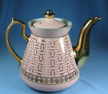 Hall PHILADELPHIA Teapot - Gold Basketweave Decoration Teapot - Vintage Pottery Tea Pot