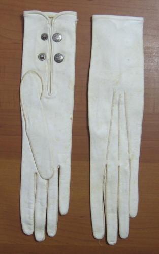 old Art & Crafts Era Leather Gloves - Misc Apparel