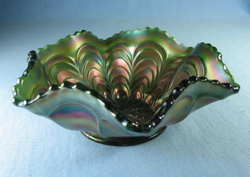 Fenton  Carnival Glass PEACOCK TAIL Green  Bowl