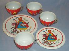 LITTLE RED RIDING HOOD 12 Piece Tin Tea Set - Toys