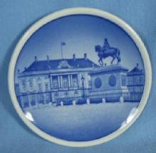 Porcelain  AMALIENBORG SLOT  Denmark Royal Copenhagen Miniature Plate