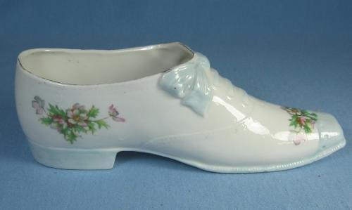 Porcelain SHOE Laced with Bow