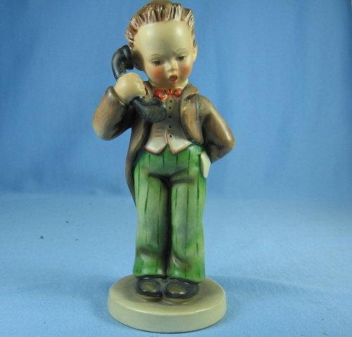 Hummel VILLAGE BOY #51 Vintage 1972 Porcelain Figurine