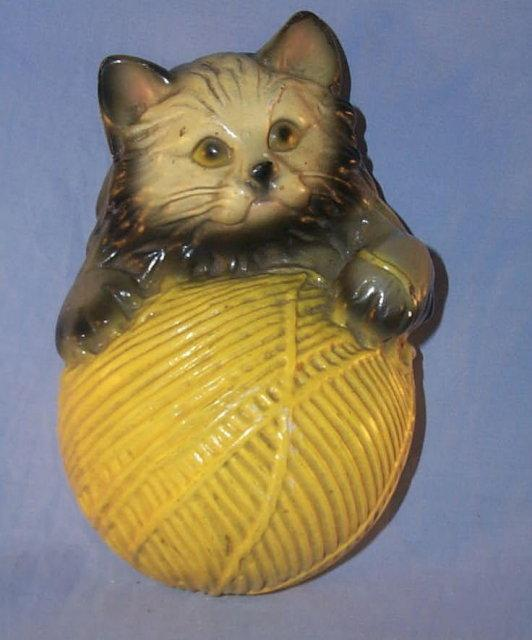 Cat on a Ball of String STRINGHOLDER - Pottery