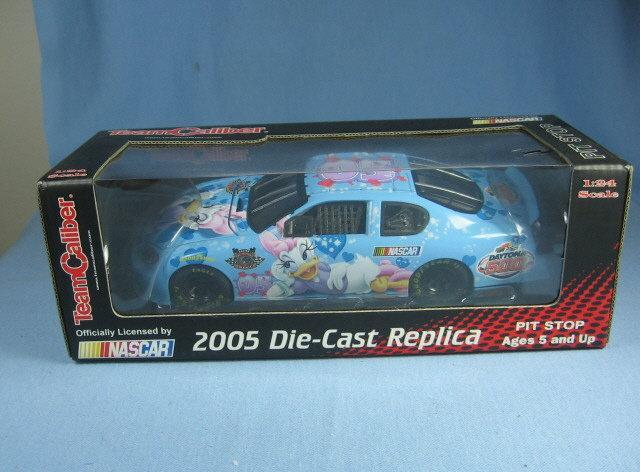 NASCAR 2005 Die-Cast Replica DAISY Official Race Car - Sporting