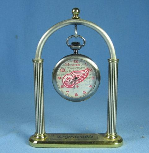Detroit Red Wing Hockey Pocket Watch and Watch Display - sporting