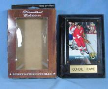Vintage Detroit RED WING Framed GORDIE HOWE Trading Card or Hologram  Plaque  - Limited Edition sporting collectible
