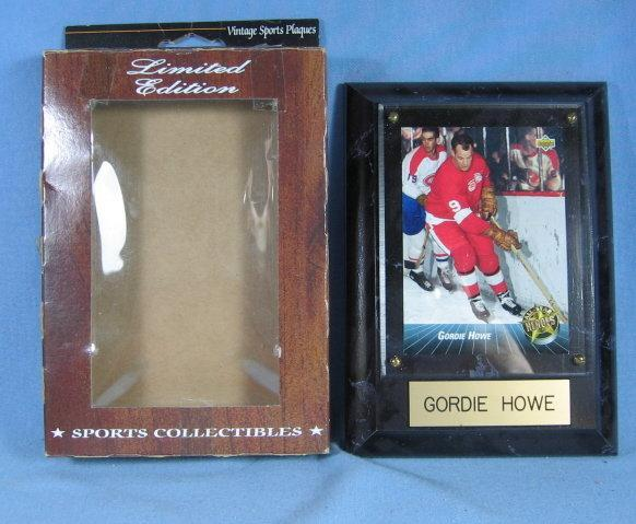 Detroit RED WING Framed GORDIE HOWE Trading Card or Hologram  Plaque  - Limited Edition sporting collectible