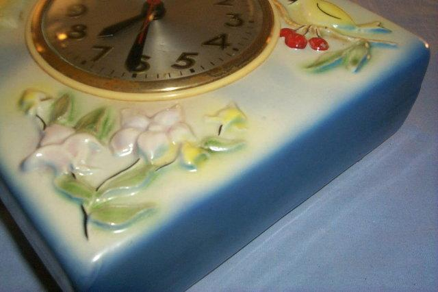 Very Colorful Porcelain SESSIONS Kitchen Wall Clock
