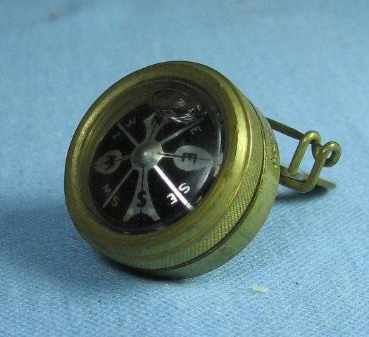 MARBLES Gladstone Brass Pin-on COMPASS - Vintage hunting camping sporting