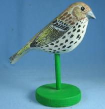 Hand Painted Carved Wood BIRD Folk Art carving  PINE SISKIN Decoy Collectible